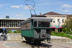 L'hôtel tient son nom de l'ancien tramway de Laon, situé sur la place de la gare.